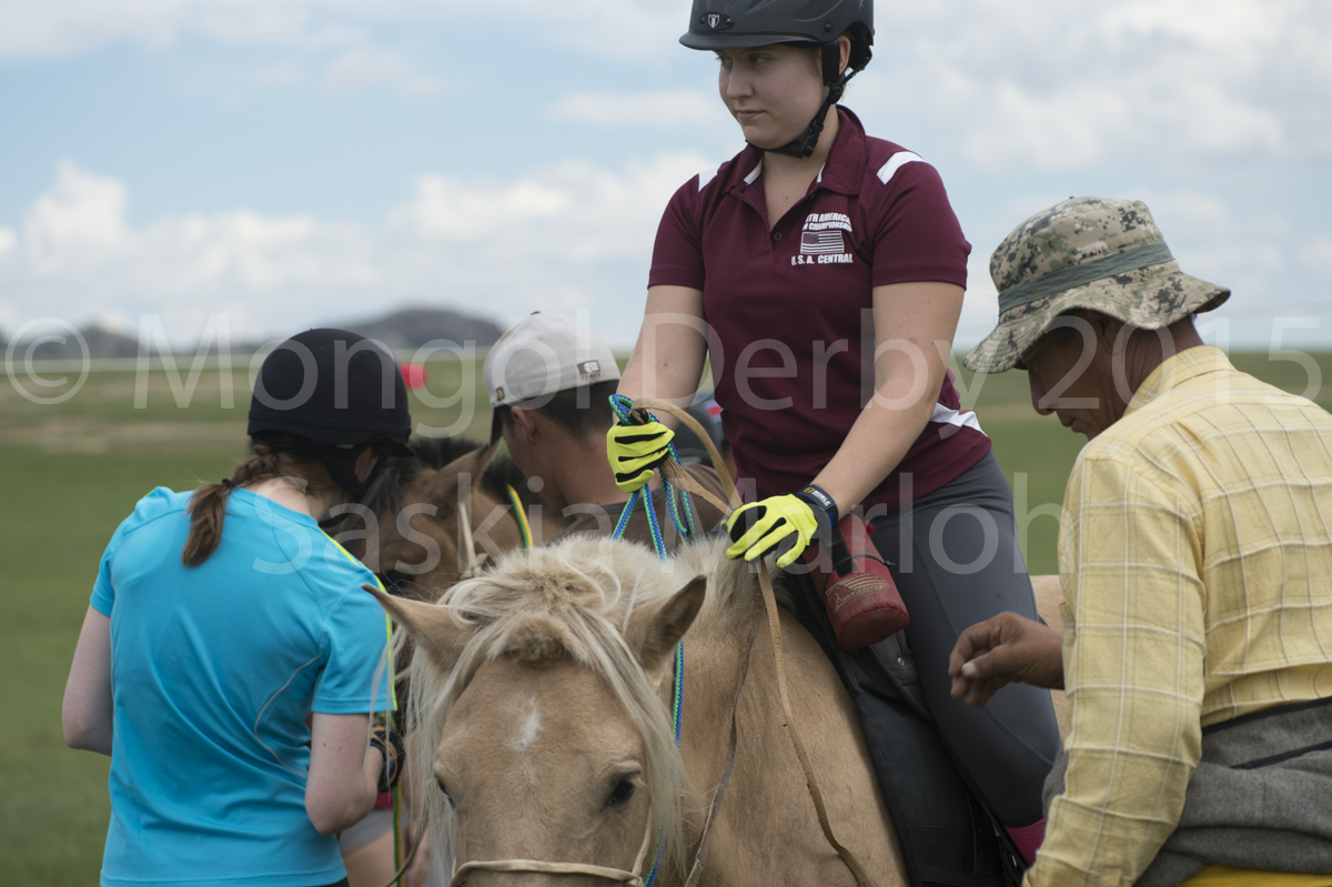 2015-08-02-Start-line-horses-mongol-derby-2015-by-saskia-marloh-191