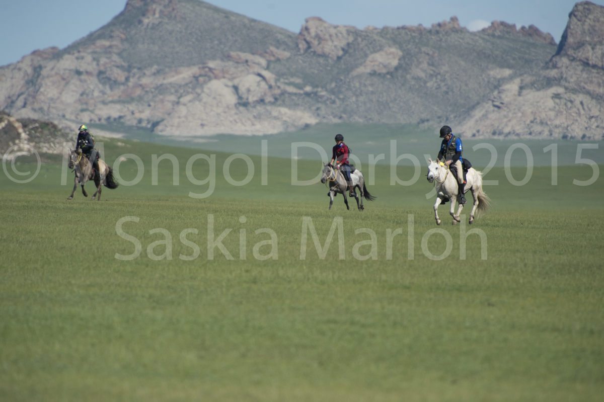 2015-08-04-day-1-launch-urt-3-mongol-derby-by-saskia-marloh-298