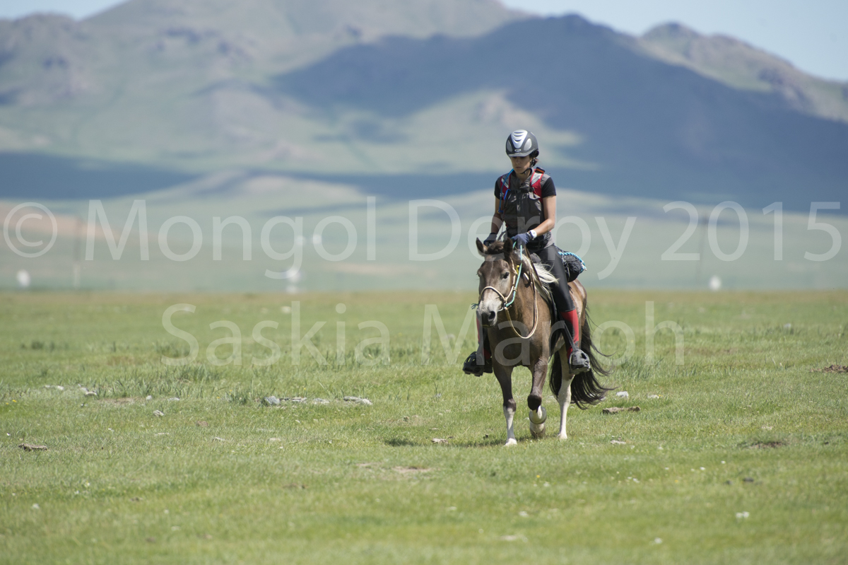 2015-08-04-day-1-launch-urt-3-mongol-derby-by-saskia-marloh-488