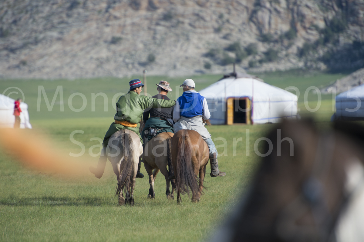 2015-08-04-start-line-training-2-mongol-derby-2015-by-saskia-marloh-10