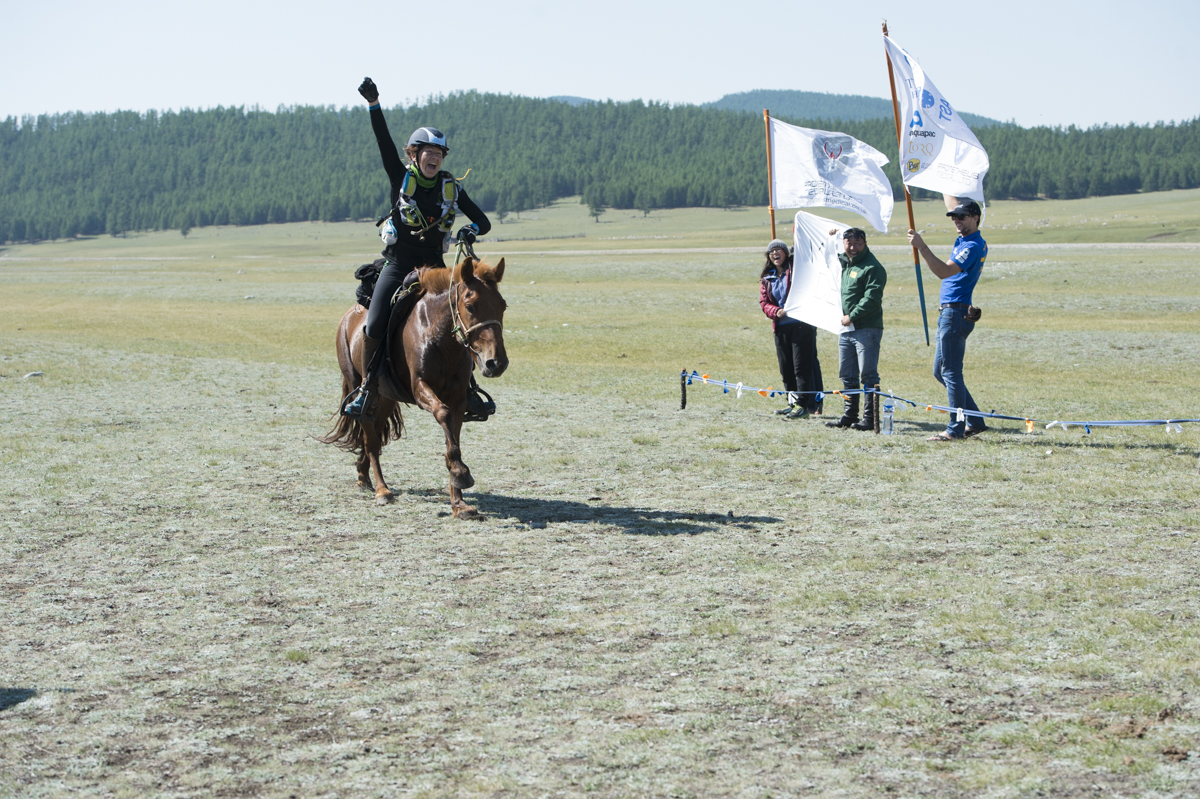 Sophie Wilford, place 9 of the Mongol Derby 2015 photos by Saskia Marloh