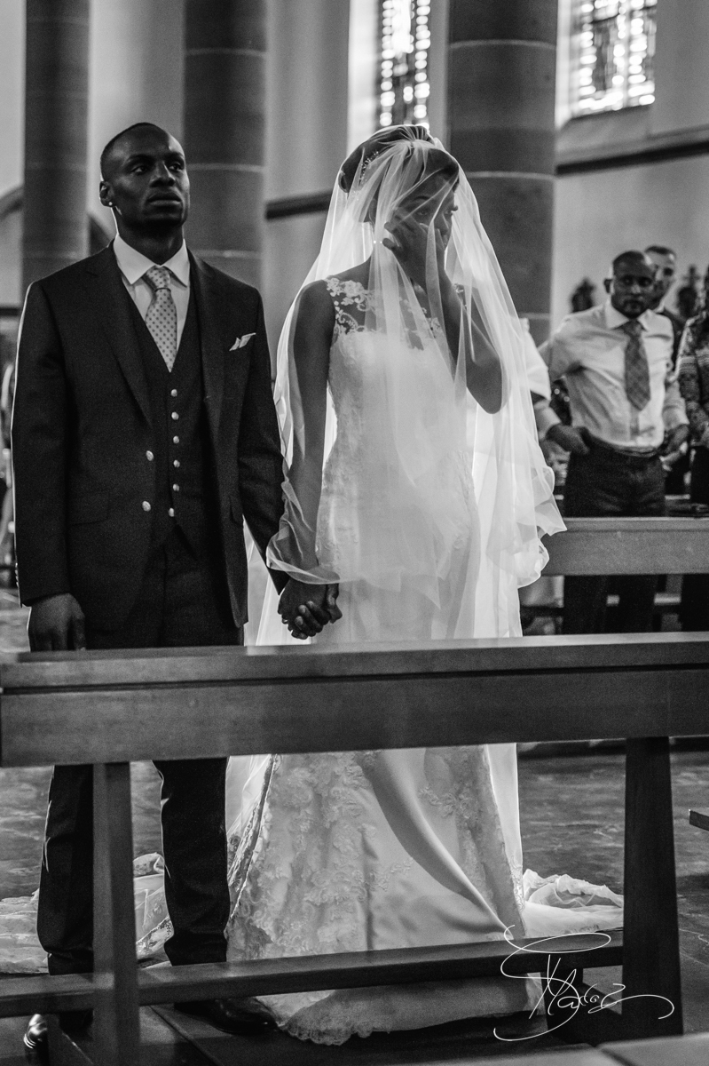 Emotionale Braut Afrikanische Hochzeit in Mainz - African wedding ceremony in Mainz St Stephans Kirche Gonsenheim