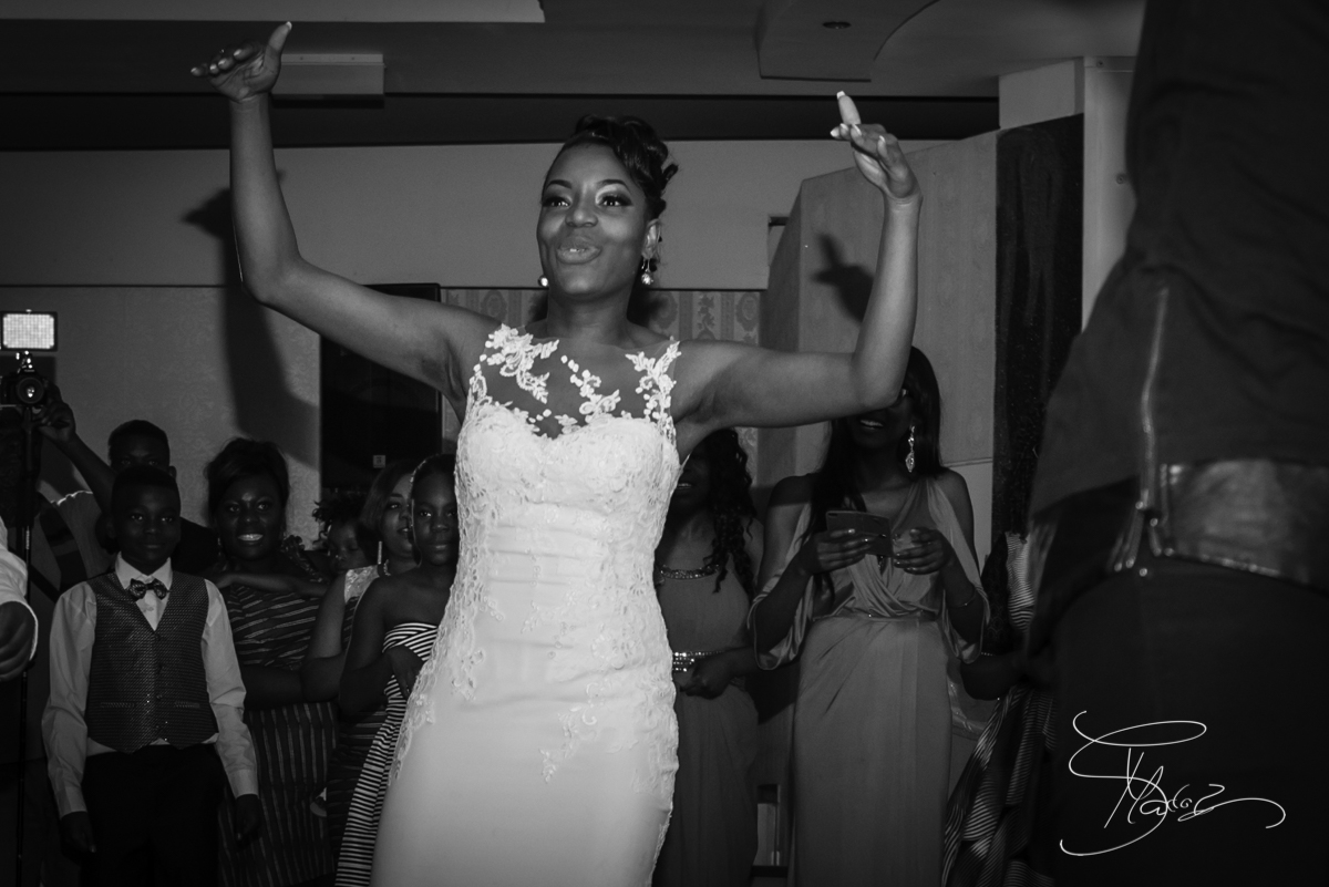 Ecstatic bride African-wedding-reception-club-eleganz-mainz-Germany
