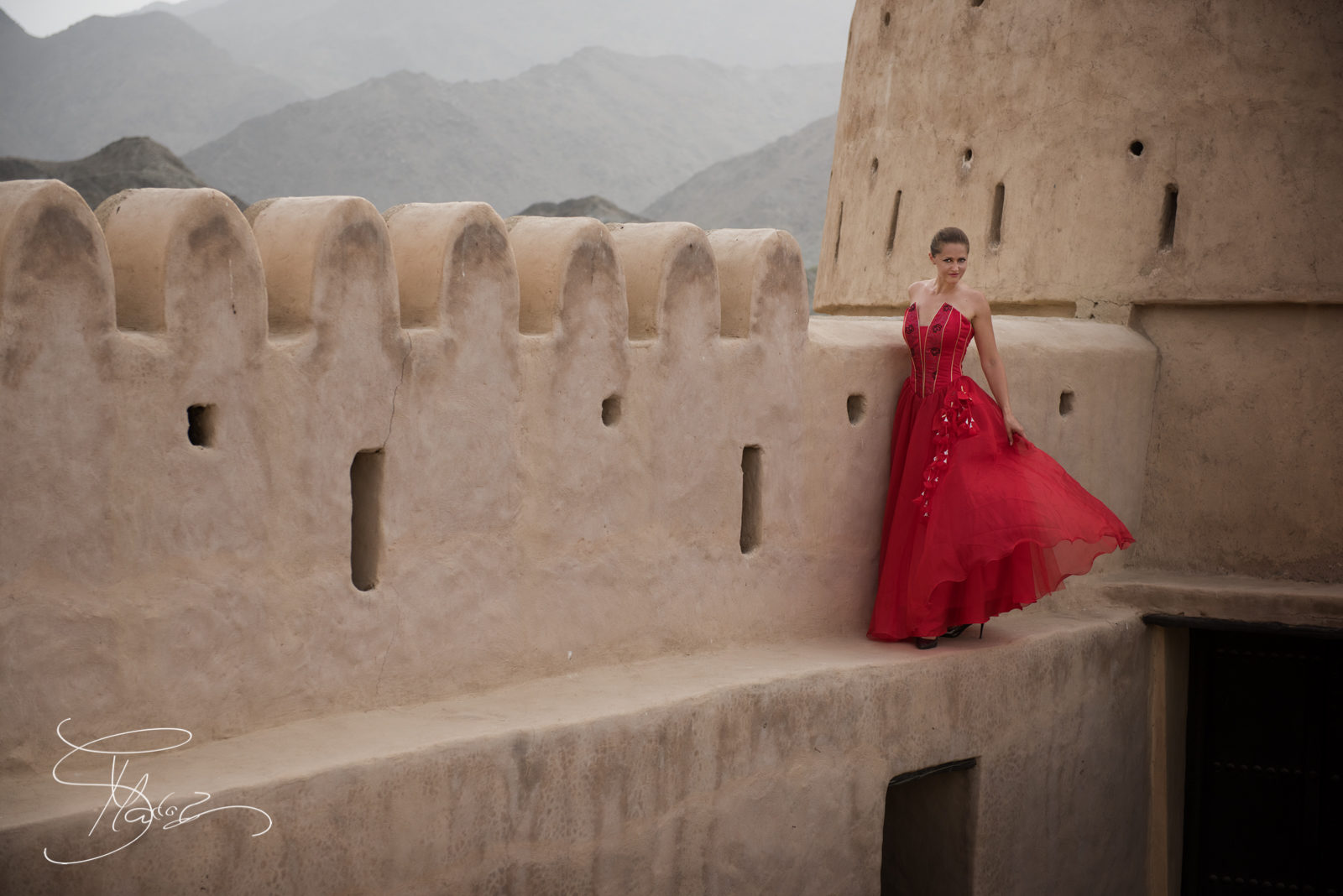 Fashion-portrait-fujeirah-emirates-uae-female-wedding-photographer-2-2