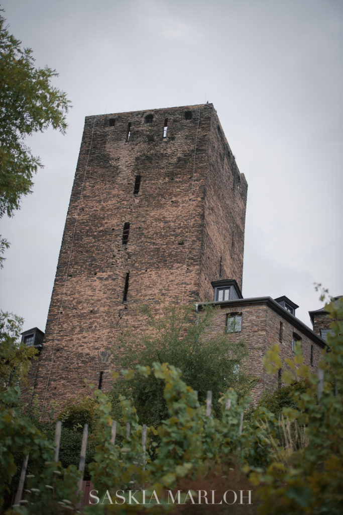 BURG-SCHOENBURG-OBERWESEL-PROPOSAL-ENGAGEMENT-PHOTO-SASKIA-MARLOH-02